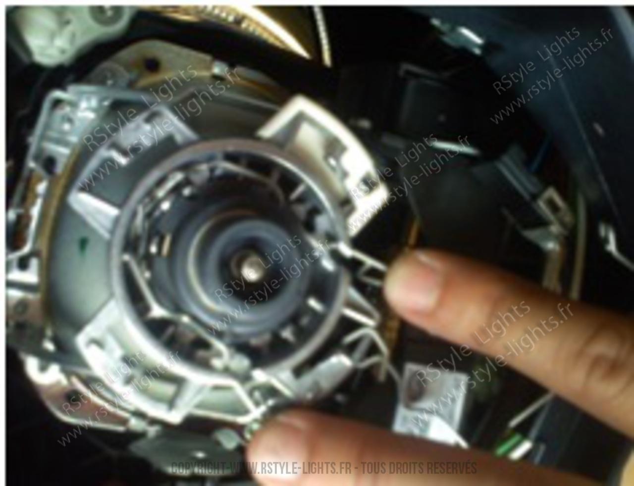 Remplacement changement ampoule D1S D1R D3S D3R et D2S D2R D4S D4R 15
